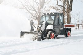 bobcat_5600_with_snow_blower